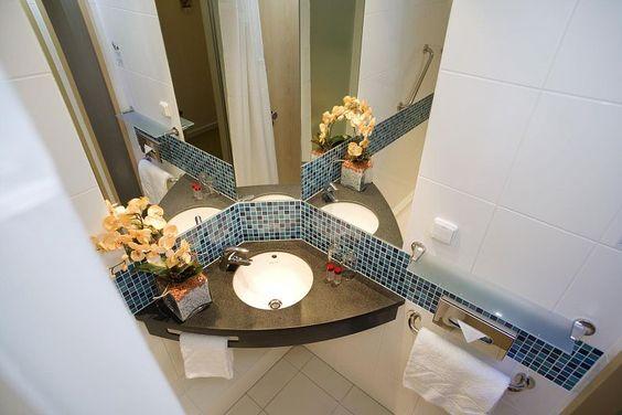 malá_kúpeľa_rohové_umývadlo