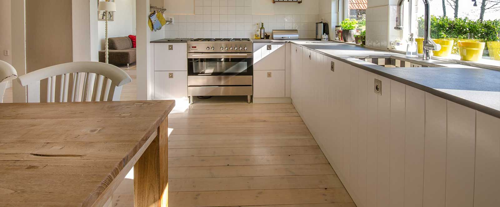 Ako vybrať podlahu do kuchyne • domadoma.sk e4e26adff76