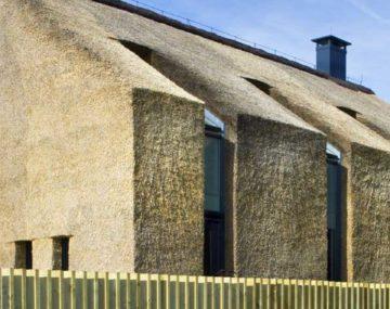 slamený dom