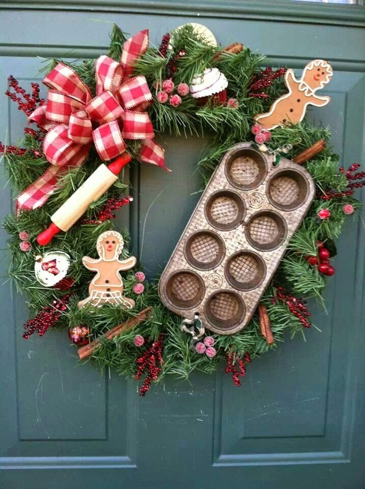 Vianočný venies s kuchynským plechom