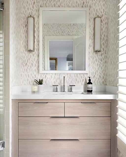 pracovné svetlo v kúpeľni