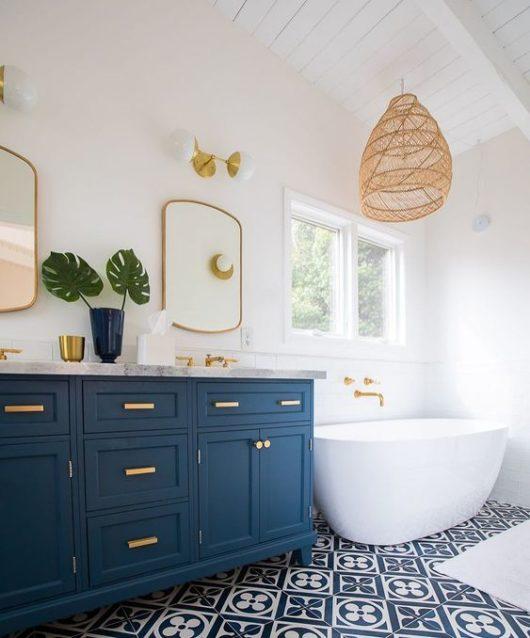 pekná svetlá kúpeľňa